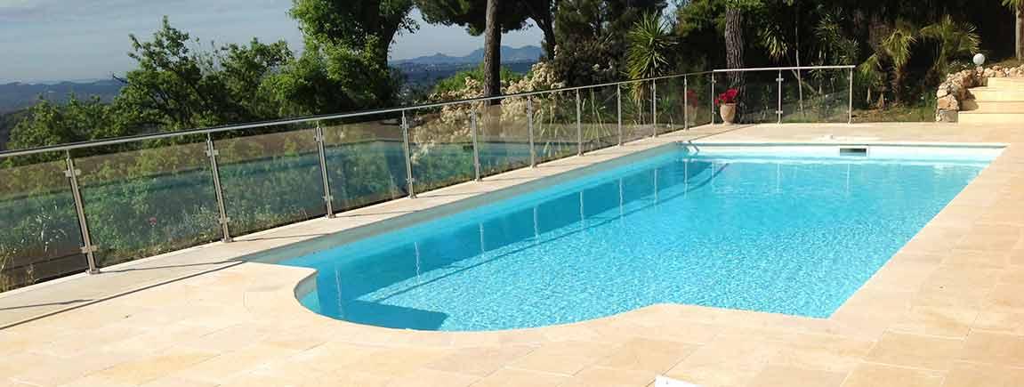 Location villa de luxe 6 10 personnes c te d azur baie for Location villa cote d azur piscine