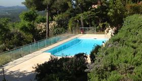 location-villa-cotedazur-piscine